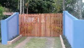 Portão de Madeira - MS 100.