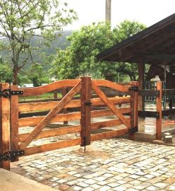 Porteira de Madeira - Modelo Arco 001
